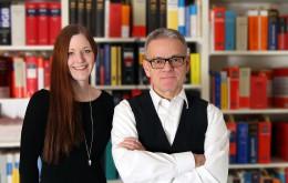 Rechtsanwalt Hook und Frau Brandau